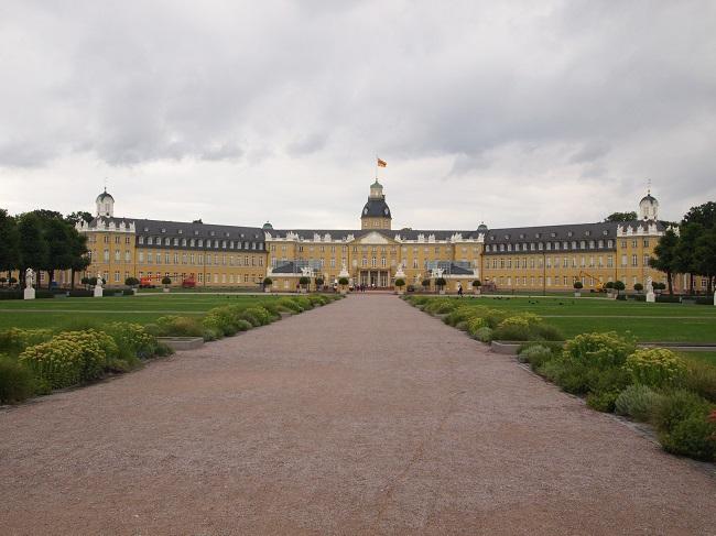 南西ドイツ旅行(3)カールスルーエ城とバーデン・バーデンの散策