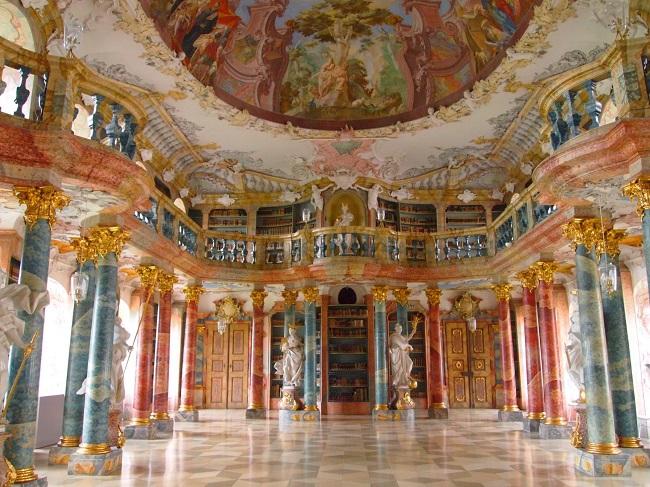 南西ドイツ旅行(12)最終日は南ドイツで最も美しい図書館とウルム大聖堂