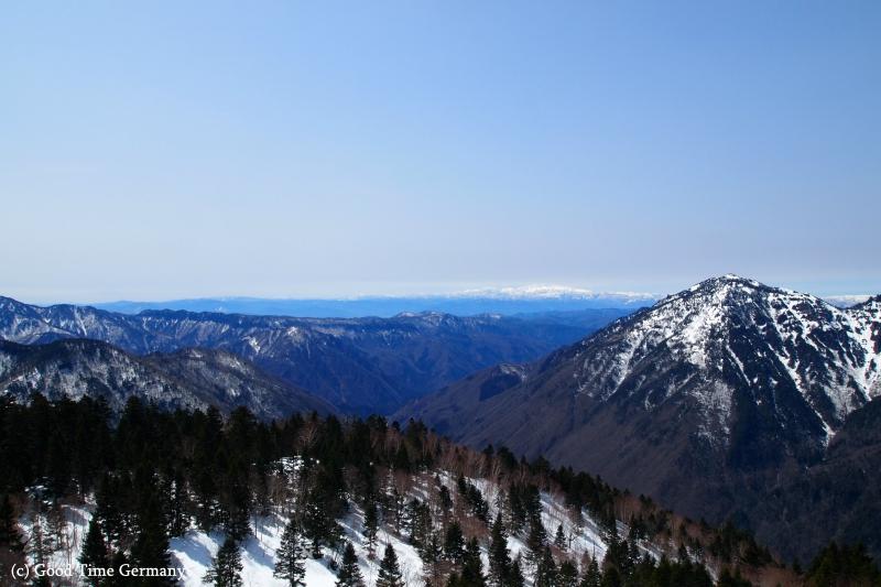 奥飛騨・新穂高温泉 日本唯一の2階建てゴンドラで目指すは北アルプスの絶景