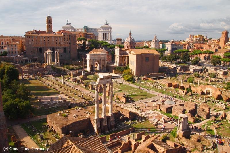 コロッセオ、フォロロマーノ ローマの遺跡巡り