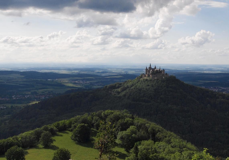 ホーエンツォレルン城 お城と絶景スポットへの行き方&見どころ