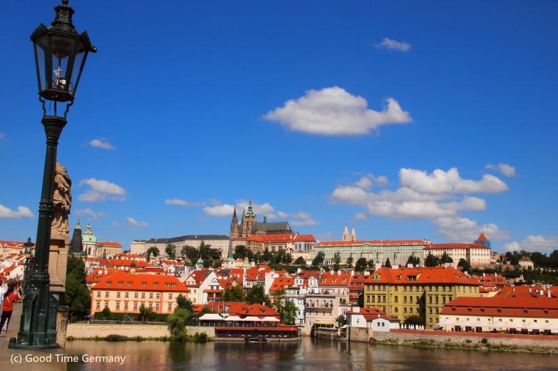 プラハ観光のハイライト プラハ城のアクセス、見どころ、所要時間