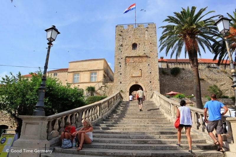 【クロアチア】マルコポーロと白ワインの島コルチュラ島の散策