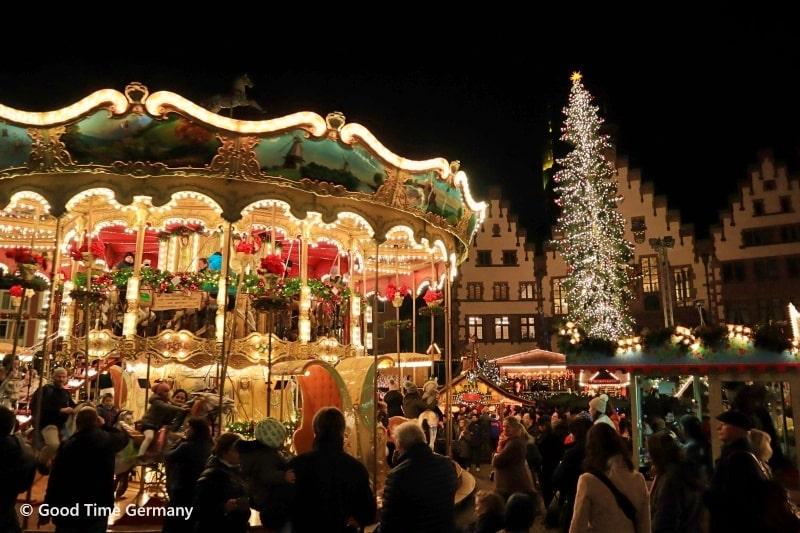 ドイツで最も高いクリスマスツリー!?フランクフルトのクリスマスマーケット