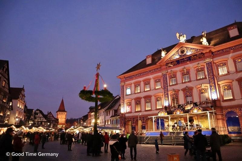 世界最大級のアドヴェントカレンダーが登場!ゲンゲンバッハのクリスマスマーケット