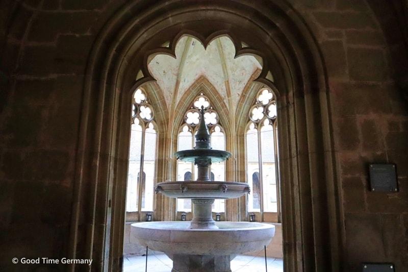 ヘルマン・ヘッセ作「車輪の下」の舞台にもなったマウルブロン修道院