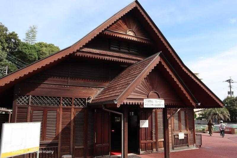地獄温泉 鬼山地獄 マレーシアの伝統建築