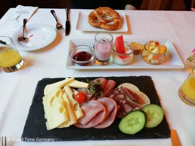 コロナ規制中の旅行 ホテル 朝食