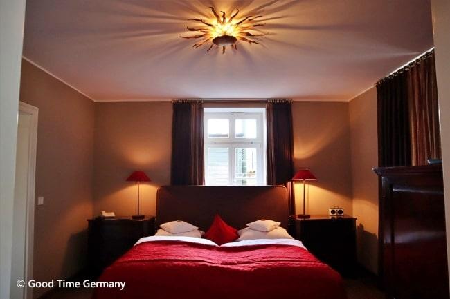 エバーシュタイン城 スイート 寝室