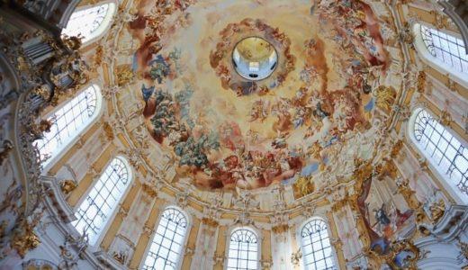 ヴィース教会にも負けない⁉壮大な天井画が美しいエッタール修道院