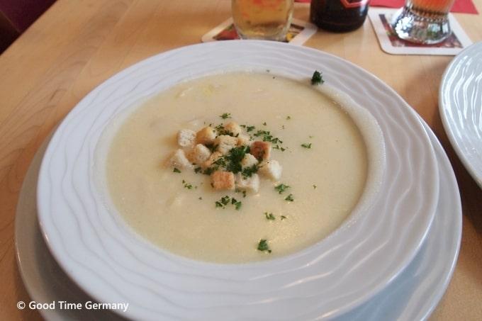 シュパーゲル クリームスープ